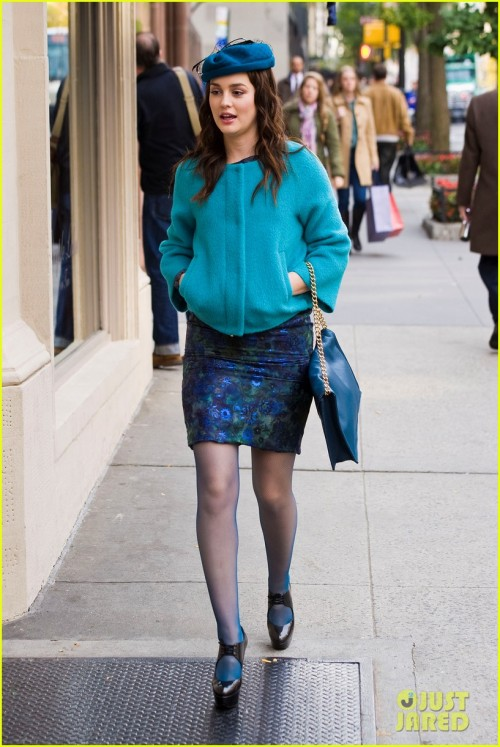 leighton-meester-blue-hat-gossip-girl-11.jpg