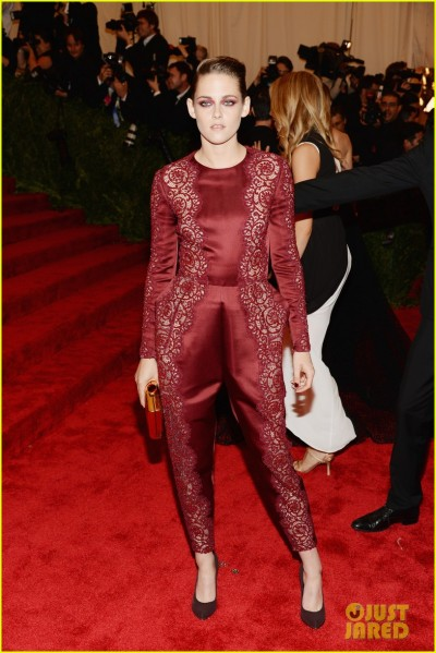 kristen-stewart-met-ball-2013-red-carpet-01.jpg