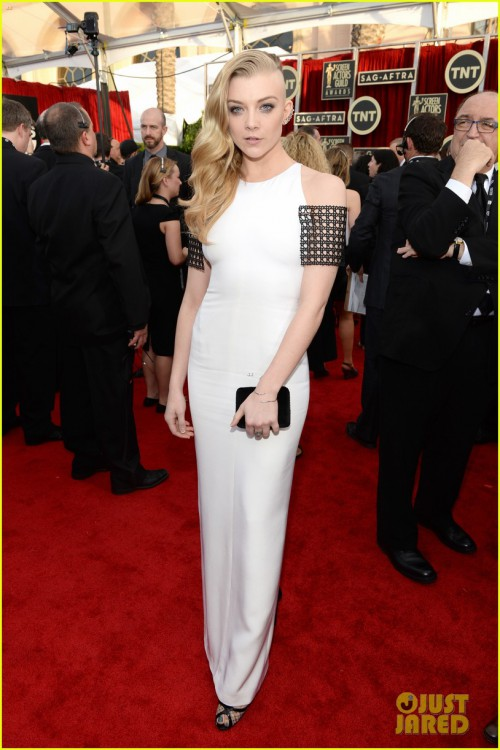 natalie-dormer-debuts-half-shaved-head-at-sag-awards-2014-03.jpg