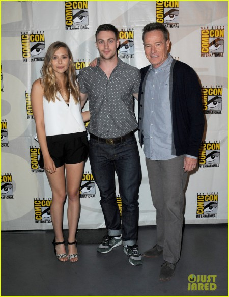 elizabeth-olsen-aaron-taylor-johnson-godzilla-at-comic-con-03.jpg