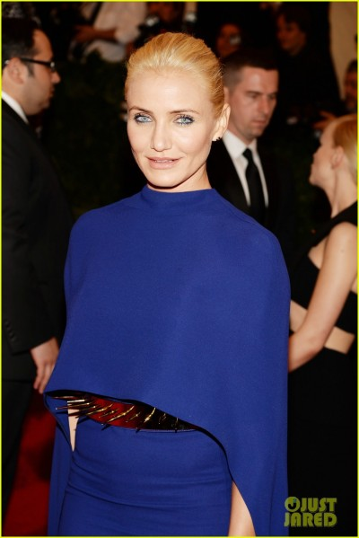 cameron-diaz-met-ball-2013-red-carpet-02.jpg