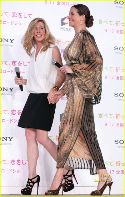julia-roberts-kimono-03.jpg
