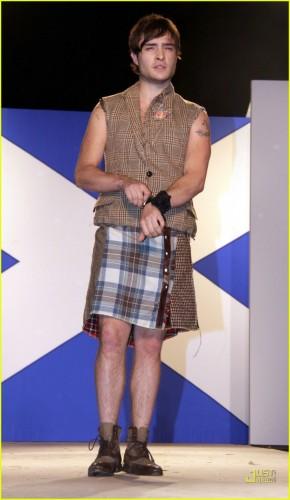 ed-westwick-dressed-to-kilt-01.jpg