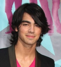 Joe Jonas-JTM-037026.jpg