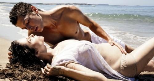 Alessandra-Martines-49-anni-con-il-compagno-di-29.jpg