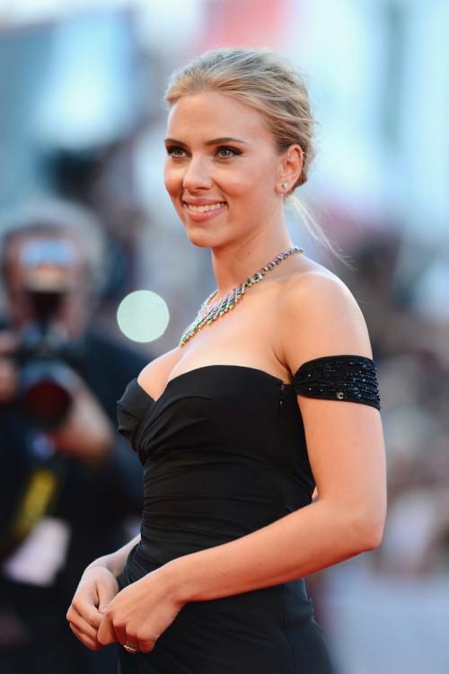 Scarlett+Johansson+Under+Skin+Premieres+Venice+WVOSpIxGUfkx.jpg