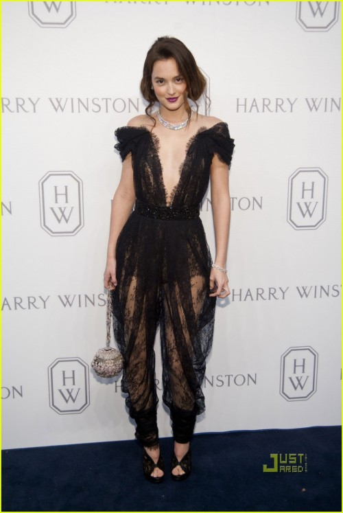 leighton-meester-plunging-neck-line-for-harry-winston-01.jpg