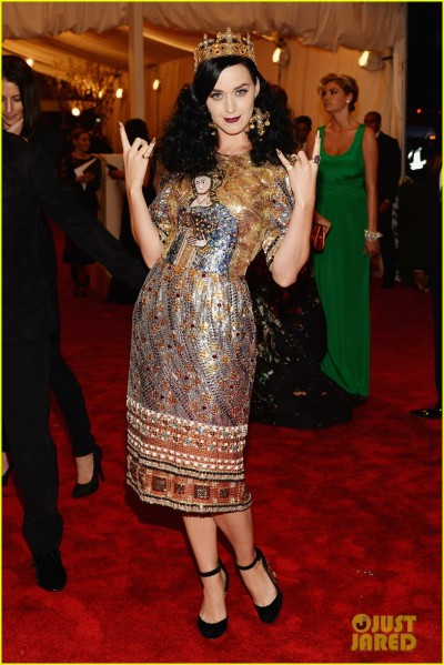 katy-perry-met-ball-2013-red-carpet-01.jpg