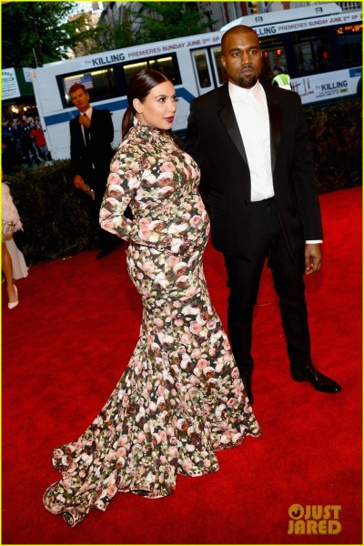 kim-kardashian-kanye-west-met-ball-2013-red-carpet-03.jpg
